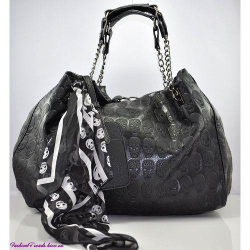 Женская сумка Alexander McQueen Soft Duffle черная