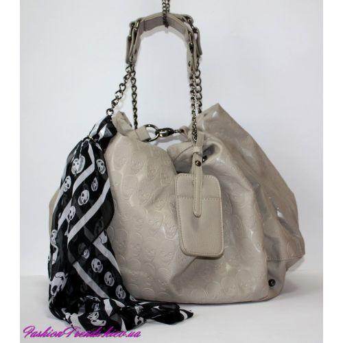 Женская сумка Alexander McQueen Soft Duffle бежевая