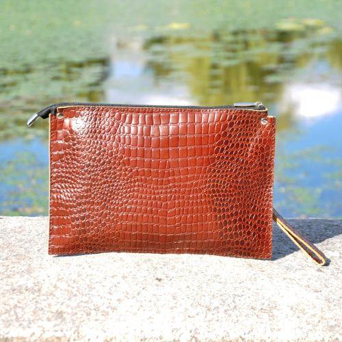 Женский кожаный клатч конверт Crocodile коричневый