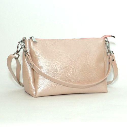 Женская кожаная сумка Торино пудровая с перламутром