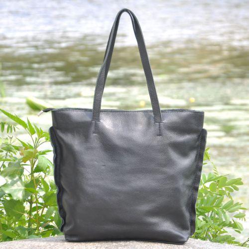 Женская кожаная сумка Perlis черная