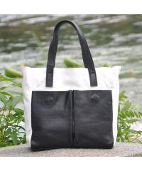 Женская кожаная сумка с карманами белая с черным