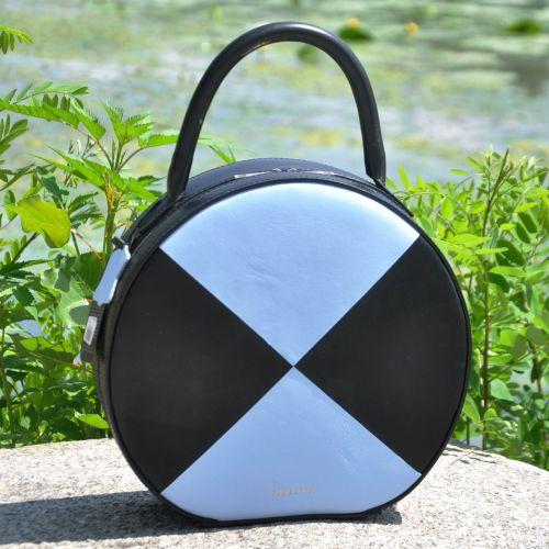 Кожаная сумка Tondo черная с голубым гладкая