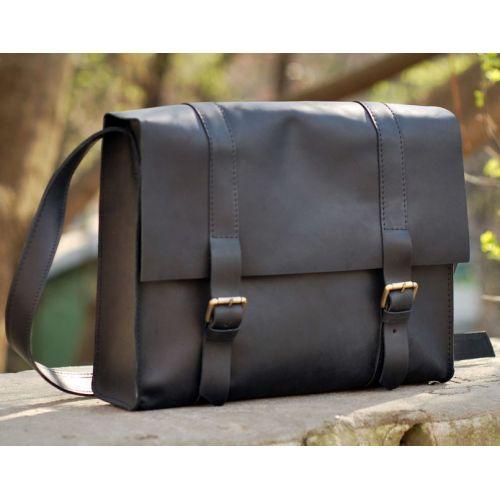 Кожаная сумка B015 черная