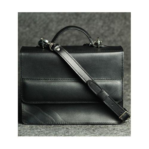 Кожаная сумка Тами черная кайзер