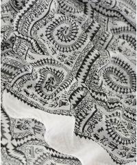 Шарф TRAUM 2495-91 белый с черным рисунком