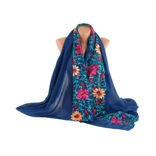 Шаль TRAUM 2494-70 синяя с вышивкой