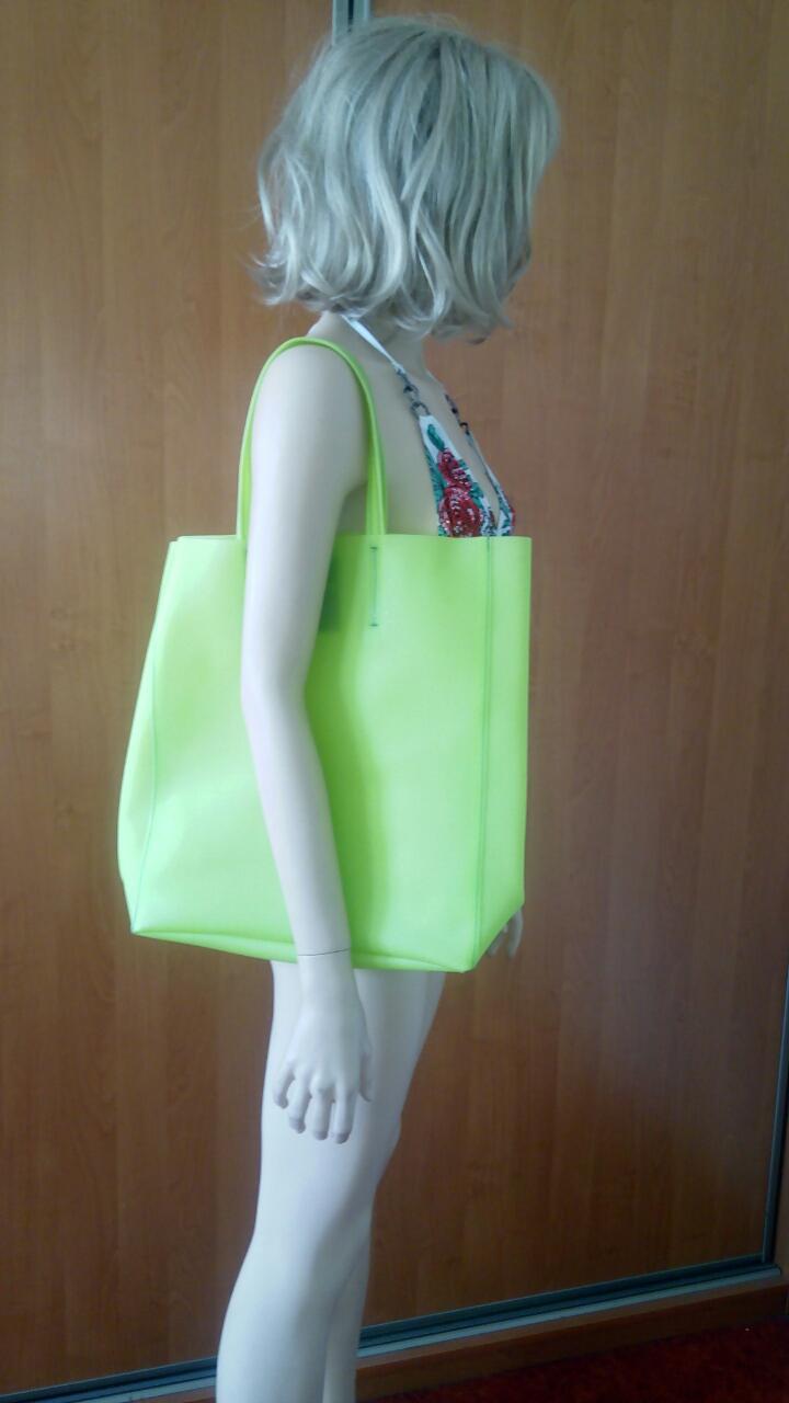 Салатовая силиконовая сумка PoolParty City
