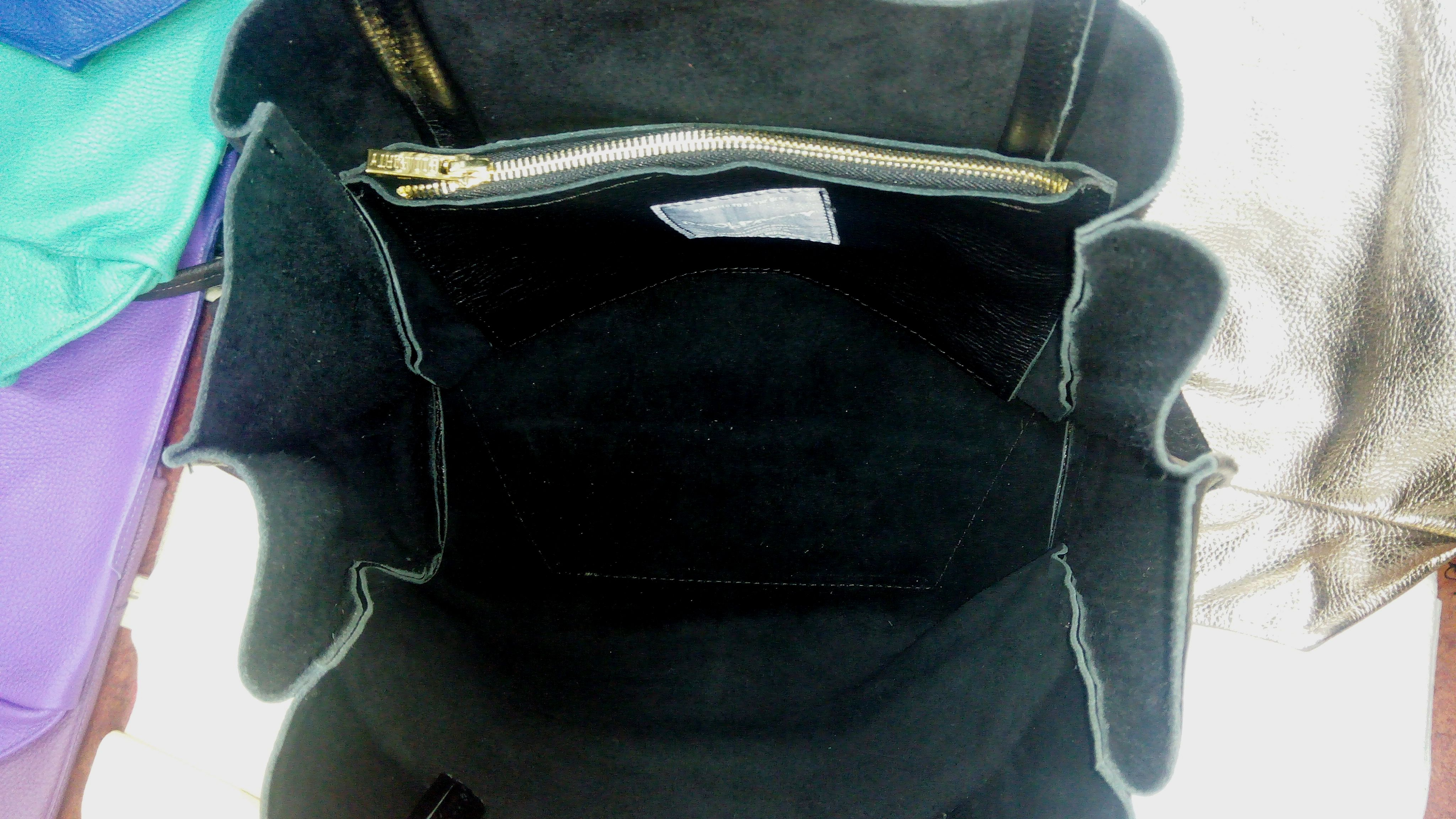 кожаная сумка poolparty soho вид изнутри